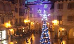 natale luci piazza mercato